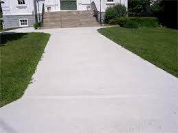 concrete sidewalk to steps